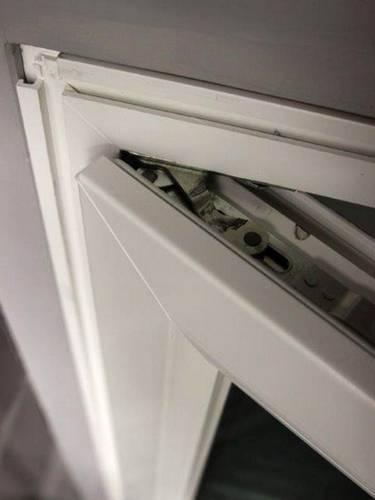 Dolda gångjärn gör att fönster ser slimmad och modern ut