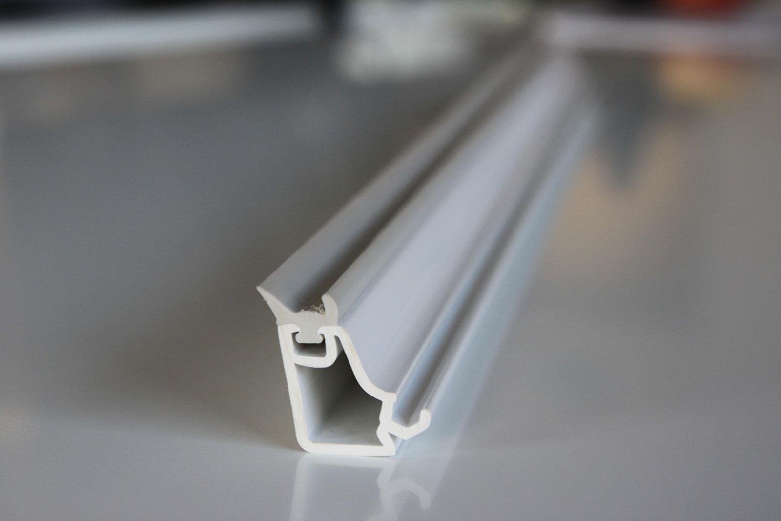 Fyrkantiga glaslister har skärpa, icke rundiga kanter, vilket passar perfekt i den skandinaviska stilen.